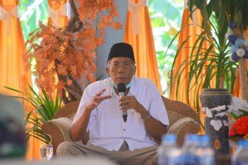 Bupati Sintang dr. H. Jarot Winarno, M.Med.,Ph
