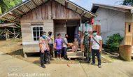 Permalink ke Distribusikan Sembako Dari Pemda, Koramil 1204-14/Sei Ayak Antar Langsung Sampai Ke Rumah Warga