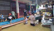 Permalink ke Jajaran Polsek Ambalau Bantu Evakuasi Warga Terdampak Banjir